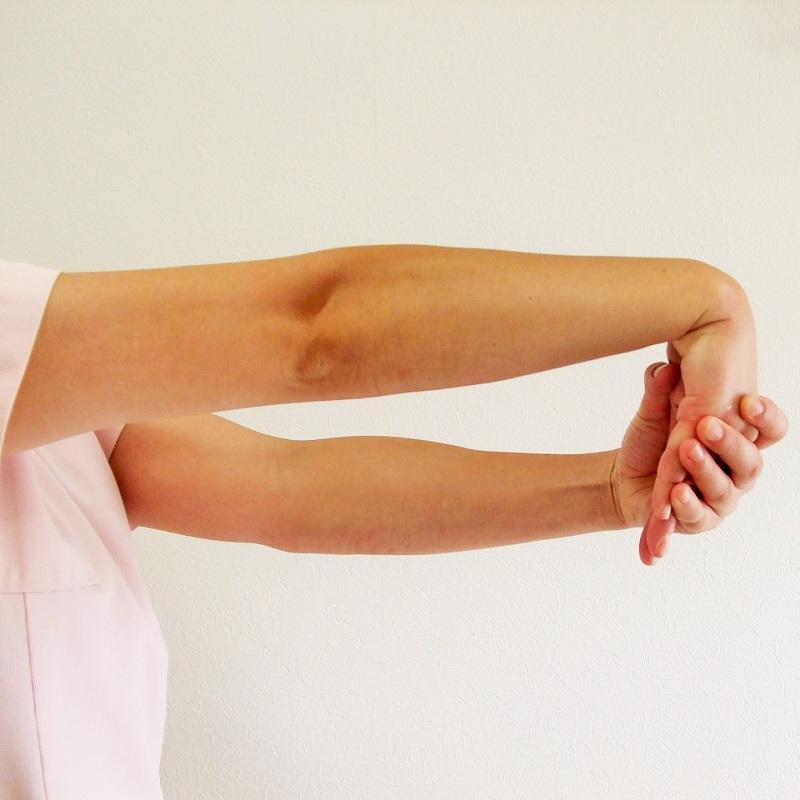 テニス肘のストレッチ方法と悪化しないやり方 | 整骨院の専門家が ...